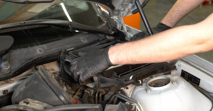 Schritt-für-Schritt-Anleitung zum selbstständigen Wechsel von BMW E39 1999 525tds 2.5 Bremsscheiben