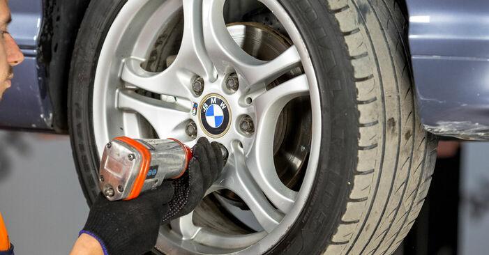 BMW E46 330d 2.9 1996 Kerékcsapágy cseréje: ingyenes szervizelési útmutatók