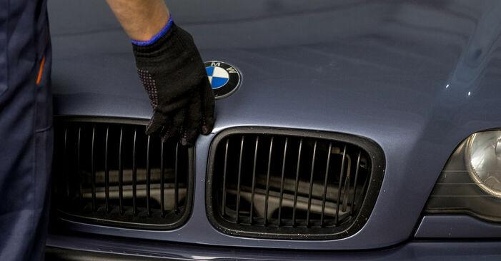Mennyire nehéz önállóan elvégezni: BMW E46 320i 2.0 2000 Kerékcsapágy cseréje - töltse le az ábrákat tartalmazó útmutatót