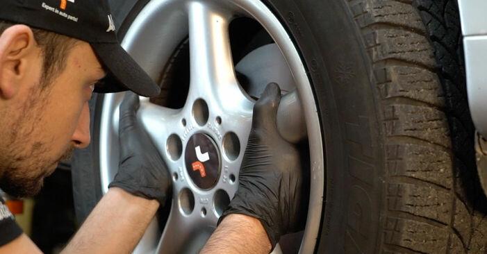 Schrittweise Anleitung zum eigenhändigen Ersatz von BMW E39 1999 525tds 2.5 Bremsbeläge