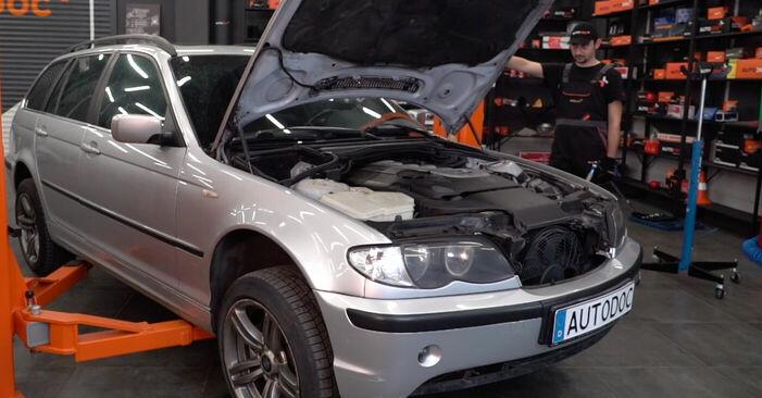 BMW 3 Touring (E46) 320i 2.2 2000 Kallistuksenvakaajan Puslat vaihto: ilmaiset korjaamokäsikirjat