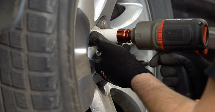 How to remove TOYOTA LAND CRUISER 3.0 D-4D 1999 Brake Pads - online easy-to-follow instructions