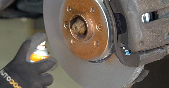 Cómo es de difícil hacerlo usted mismo: reemplazo de Pastillas De Freno en un Renault Scenic 2 1.9 dCi 2009 - descargue la guía ilustrada