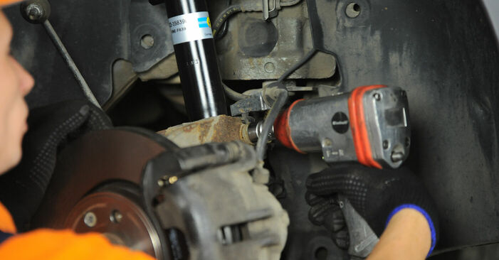 Changing of Springs on Renault Scenic 2 2003 won't be an issue if you follow this illustrated step-by-step guide