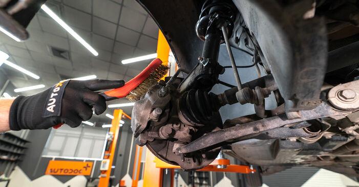 BMW X5 4.8 is Bremssattel ausbauen: Anweisungen und Video-Tutorials online
