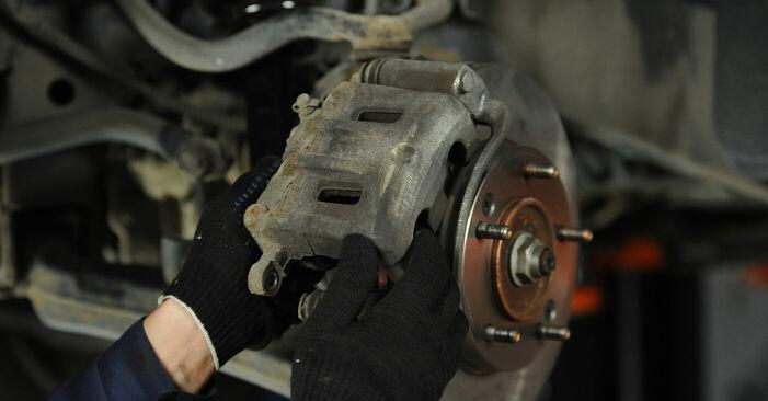 Bremsbeläge beim KIA SORENTO 3.5 V6 2009 selber erneuern - DIY-Manual