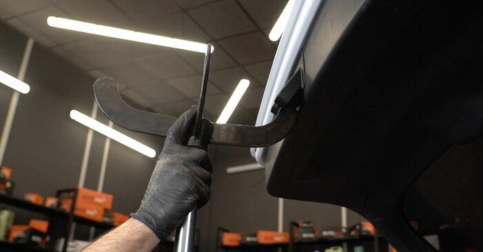 Wie man AUDI A3 Schrägheck (8P1) 2.0 TDI 16V 2004 Heckklappendämpfer austauscht - Schritt-für-Schritt-Tutorials und Videoanleitungen