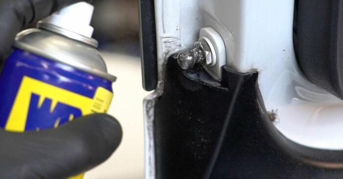 Wieviel Zeit nimmt der Austausch in Anspruch: Heckklappendämpfer beim Audi A3 8p1 2011 - Ausführliche PDF-Anleitung