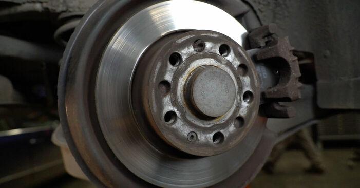 Wie man Bremsbeläge beim AUDI A3 Schrägheck (8P1) 2008 austauscht – Downloaden Sie sich PDF-Anleitungen und Video-Tutorials