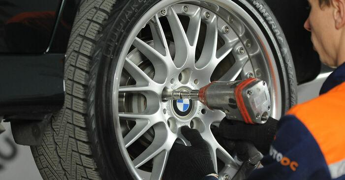 Patstāvīga BMW 5 Sedan (E39) 520i 2.0 1998 Bremžu diski nomaiņa