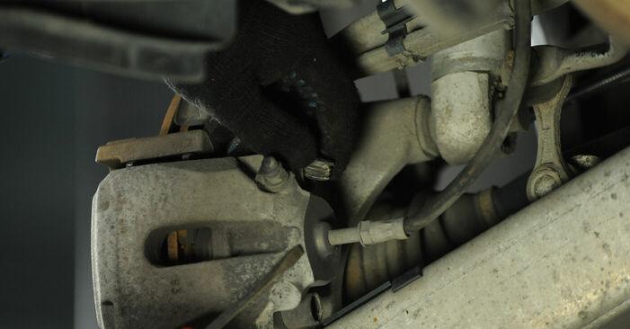 Cik grūti ir veikt Bremžu diski nomaiņu BMW E39 525i 2.5 2001 - lejupielādējiet ilustrētu ceļvedi
