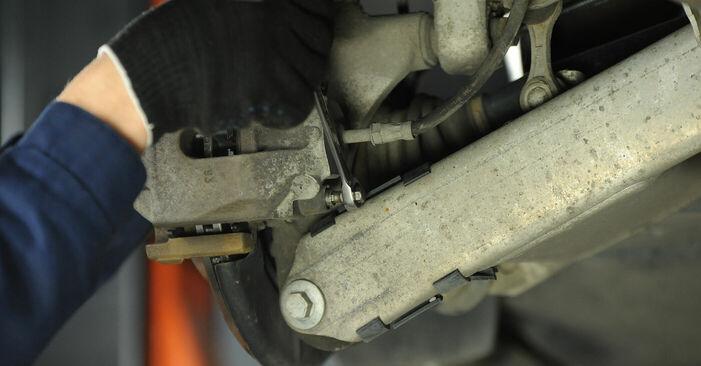 Смяна на BMW E39 530d 3.0 1997 Спирачни Накладки: безплатни наръчници за ремонт