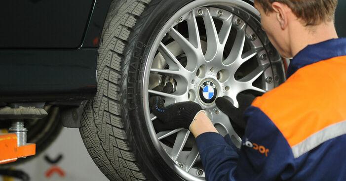 BMW 5 SERIES 2002 Спирачни Накладки стъпка по стъпка наръчник за смяна