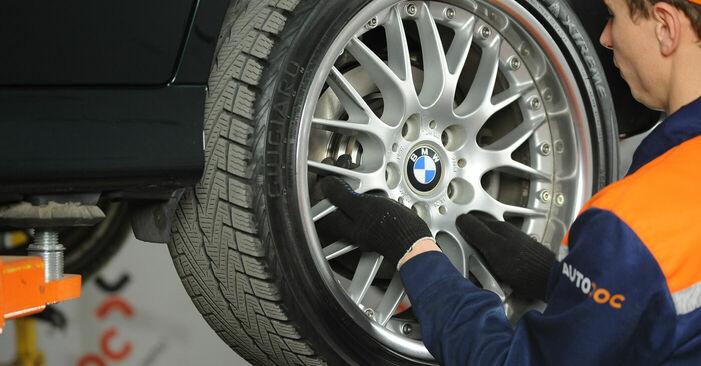 Как да демонтираме BMW 5 SERIES 525tds 2.5 1999 Спирачни Накладки - онлайн лесни за следване инструкции