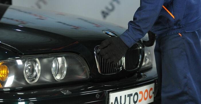 Wie Bremssattel BMW E39 523i 2.5 1995 tauschen - Kostenlose PDF- und Videoanleitungen