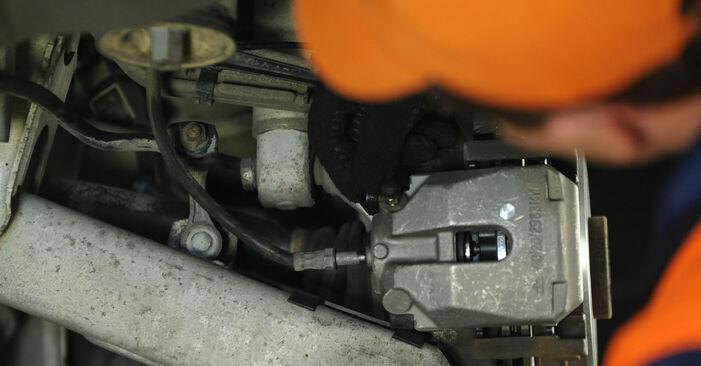 Ersetzen Sie Bremssattel am BMW E39 1996 523i 2.5 selbst
