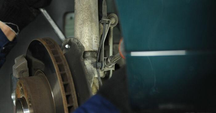 Schrittweise Anleitung zum eigenhändigen Ersatz von BMW E39 1999 525tds 2.5 Federn