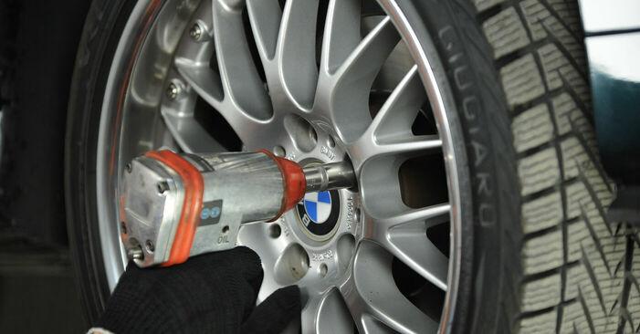 BMW E39 530d 3.0 1997 Domlager wechseln: Kostenfreie Reparaturwegleitungen