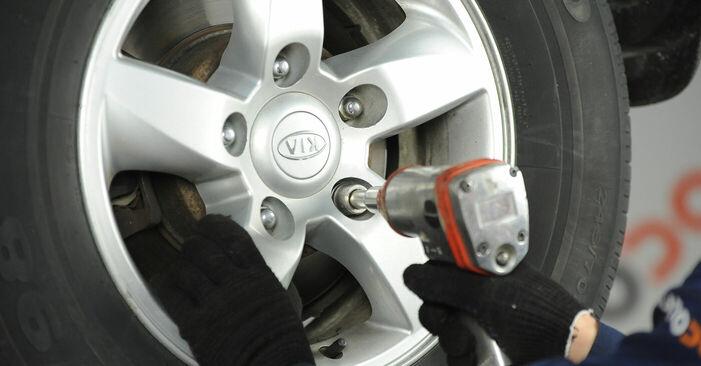 Vaihtaa Jarrulevyt itse KIA SORENTO I (JC) 3.3 V6 2005 -autoon