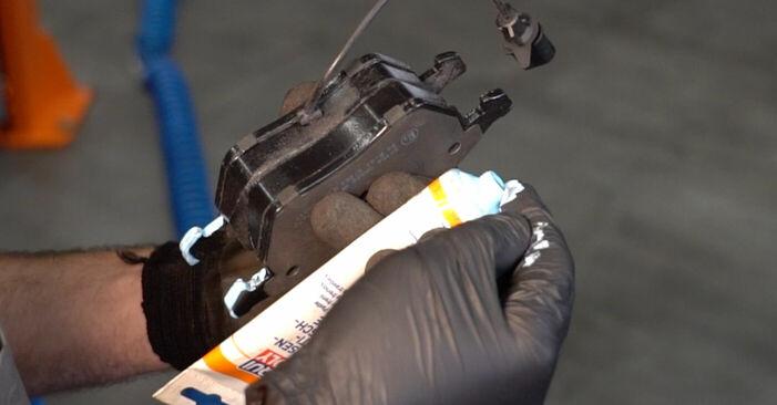 Austauschen Anleitung Bremsbeläge am KIA Sorento jc 2012 2.5 CRDi selbst