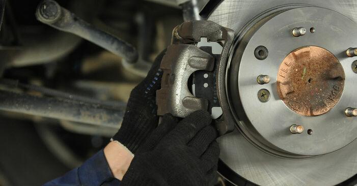 Zweckdienliche Tipps zum Austausch von Bremsbeläge beim KIA SORENTO I (JC) 3.5 V6 2016