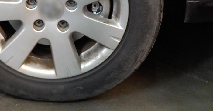 Wie schwer ist es, selbst zu reparieren: Bremsbeläge KIA Sorento jc 2.4 2008 Tausch - Downloaden Sie sich illustrierte Anleitungen
