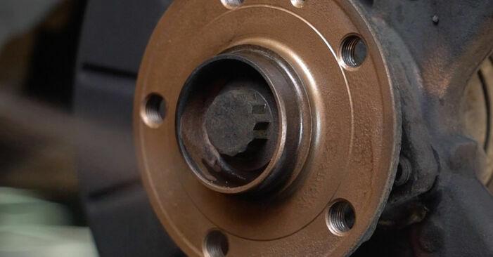 Wie man Bremsscheiben beim Audi A3 8p1 2003 wechselt - Gratis PDF- und Video-Tutorials