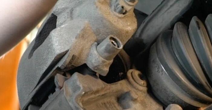 Wie schmierig ist es, selber zu reparieren: Bremsscheiben beim Audi A3 8p1 1.6 TDI 2009 wechseln – Downloaden Sie sich Bildanleitungen
