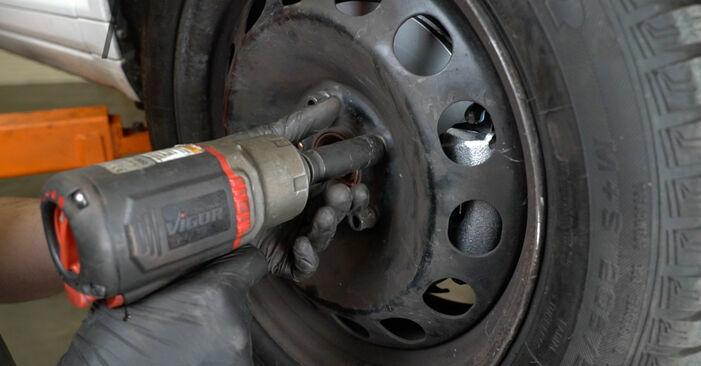 Wie schmierig ist es, selber zu reparieren: Bremsbeläge beim Audi A3 8p1 1.6 TDI 2009 wechseln – Downloaden Sie sich Bildanleitungen