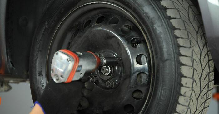 Mennyire nehéz önállóan elvégezni: Renault Scenic 2 1.9 dCi 2009 Lengőkar cseréje - töltse le az ábrákat tartalmazó útmutatót