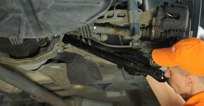 Austauschen Anleitung Querlenker am BMW X3 E83 2004 2.0 d selbst
