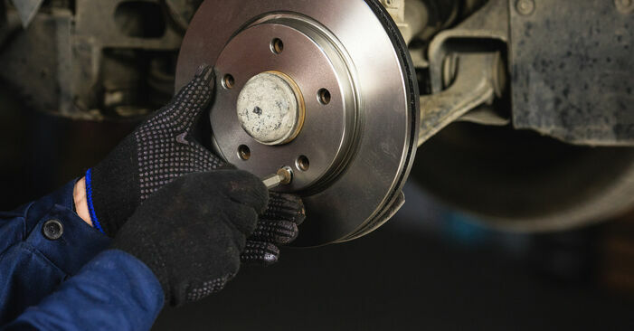 Wechseln Bremsscheiben am MERCEDES-BENZ A-Klasse (W168) A 170 CDI 1.7 (168.008) 2000 selber