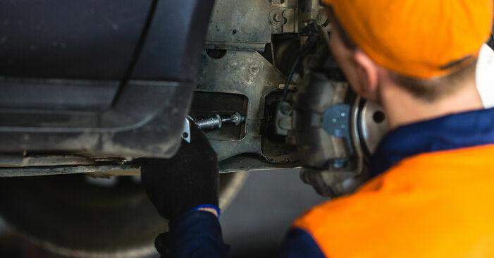 Querlenker Mercedes W168 A 160 1.6 (168.033, 168.133) 1999 wechseln: Kostenlose Reparaturhandbücher