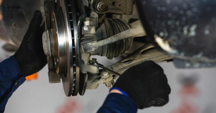 Wie schwer ist es, selbst zu reparieren: Querlenker Mercedes W168 A 160 CDI 1.7 (168.006) 2003 Tausch - Downloaden Sie sich illustrierte Anleitungen