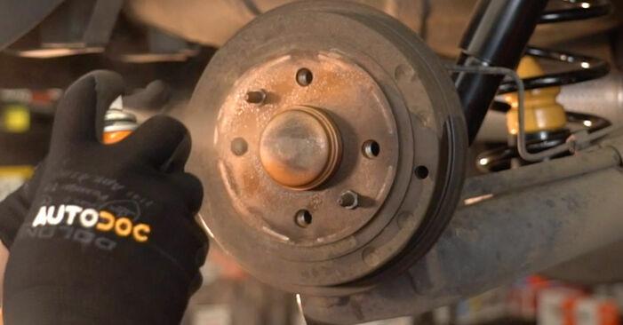 Tausch Tutorial Bremstrommel am MERCEDES-BENZ A-Klasse (W168) 2001 wechselt - Tipps und Tricks