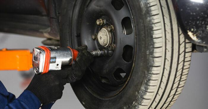 Zweckdienliche Tipps zum Austausch von Bremstrommel beim MERCEDES-BENZ A-Klasse (W168) A 160 1.6 (168.033, 168.133) 2003