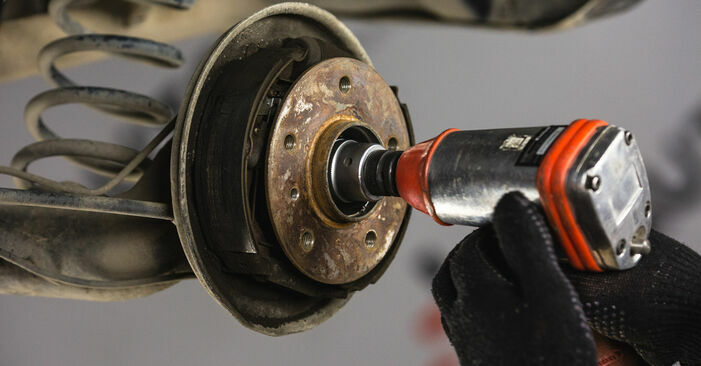 Replacing Brake Shoes on Mercedes W168 1999 A 140 1.4 (168.031, 168.131) by yourself