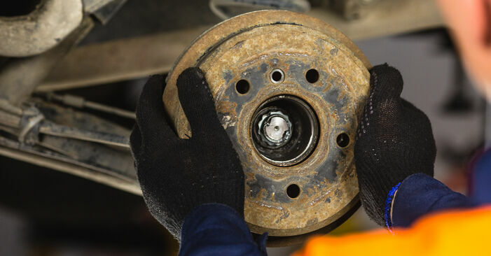 Step-by-step recommendations for DIY replacement Mercedes W168 2002 A 190 1.9 (168.032, 168.132) Brake Shoes