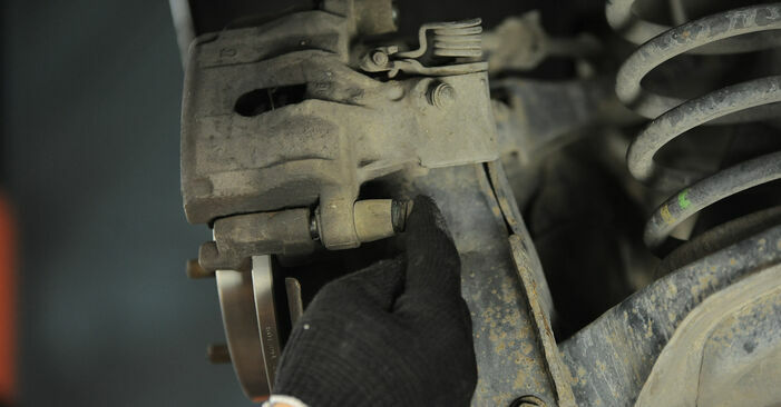 Step-by-step recommendations for DIY replacement FORD FOCUS II (DA_) 2008 1.6 Ti Brake Discs