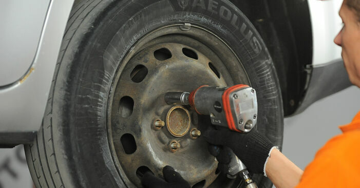 Changing Brake Discs on FORD Focus II Hatchback (DA_, HCP, DP) 2.5 ST 2007 by yourself