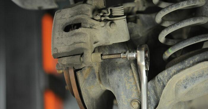 Bremsscheiben beim FORD FOCUS 1.4 2011 selber erneuern - DIY-Manual