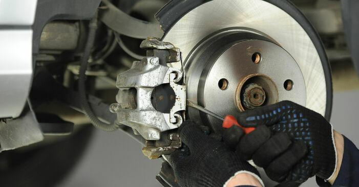 Wie schwer ist es, selbst zu reparieren: Bremsscheiben Mercedes W211 E 320 CDI 3.0 (211.022) 2008 Tausch - Downloaden Sie sich illustrierte Anleitungen