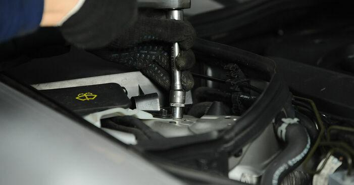 Byt E-klass Sedan (W211) E 280 CDI 3.0 (211.020) 2005 Fjäderbenslagring – gör det själv med verkstadsmanual