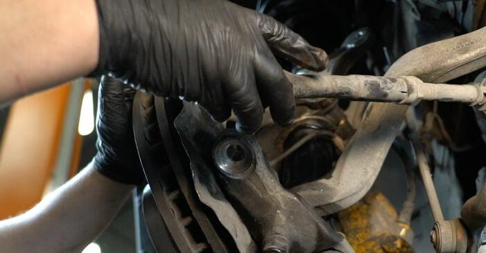 BMW 5 SERIES 525d 2.5 Querlenker ersetzen: Tutorials und Video-Wegleitungen online