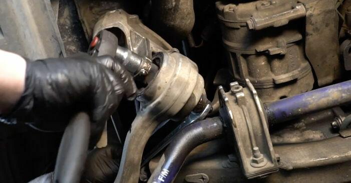Wie man Querlenker am BMW E60 2001 ersetzt - Kostenfreie PDF- und Videotipps