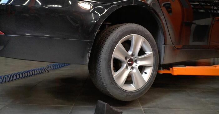 BMW E60 525d 2.5 2003 Querlenker wechseln: Kostenfreie Reparaturwegleitungen