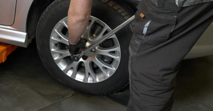 Changing Brake Discs on FIAT GRANDE PUNTO (199) 1.4 16V 2011 by yourself