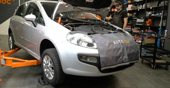 Fiat Punto 199 1.4 2010 Control Arm replacement: free workshop manuals