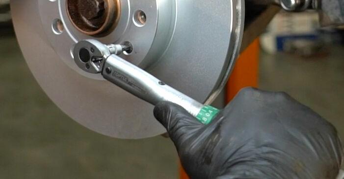Bremsscheiben am SKODA Octavia II Combi (1Z5) 2.0 TDI RS 2009 wechseln – Laden Sie sich PDF-Handbücher und Videoanleitungen herunter