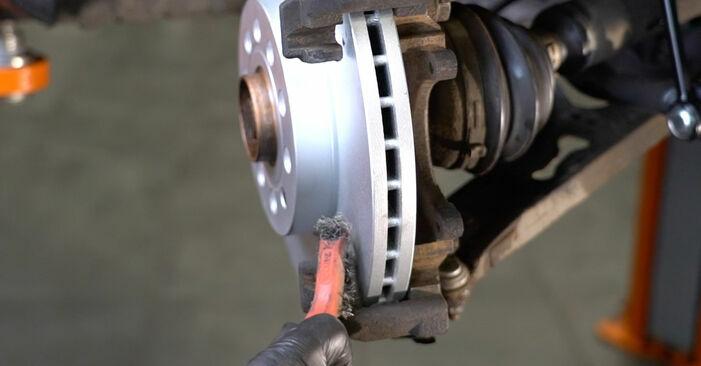 Jak vyměnit Brzdové Destičky na SKODA Octavia II Combi (1Z5) 2006 - tipy a triky
